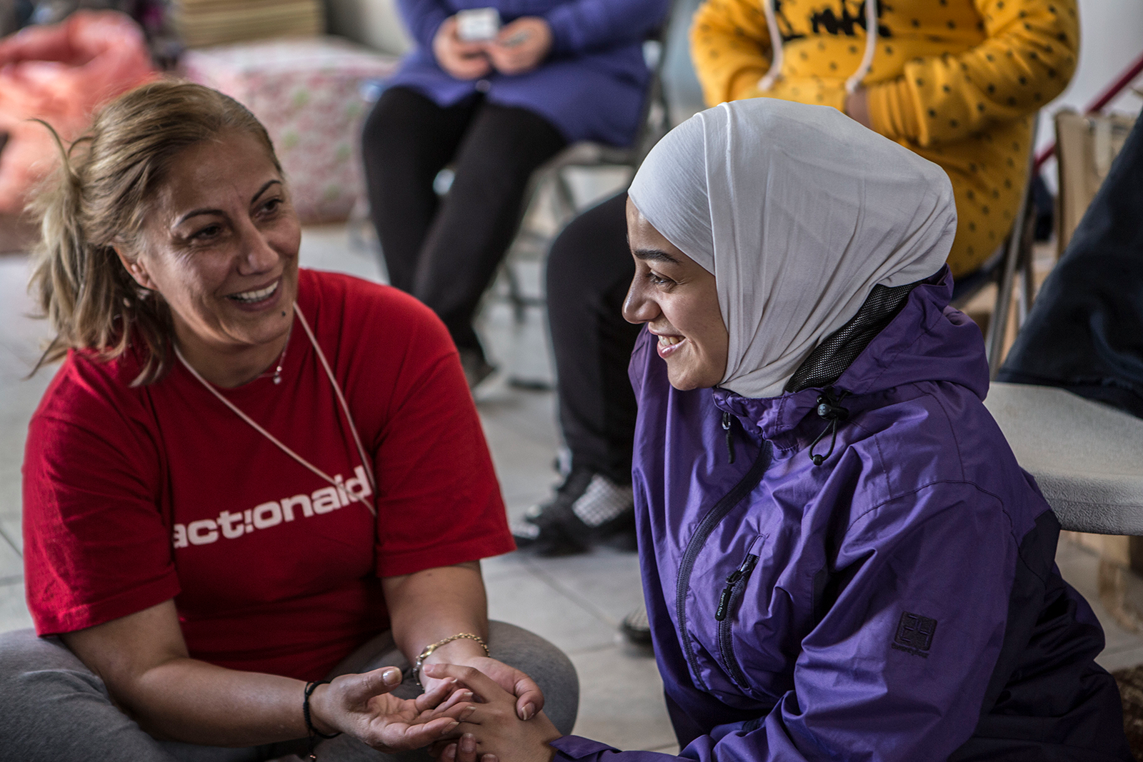 p15-siba-from-syria-speaking-with-actionaid-mentor-anna